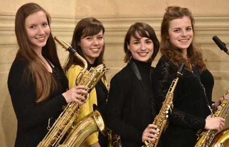 Narozeninový koncert na zámeckém nádvoří - saxofonové kvarteto Ty.Tety