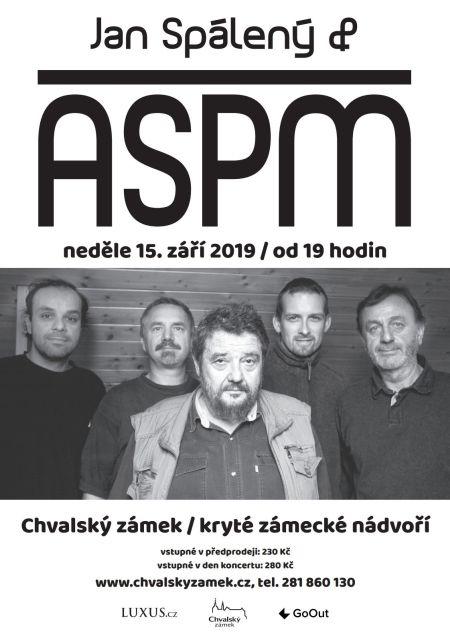 Jan Spálený a ASPM na nádvoří Chvalského zámku